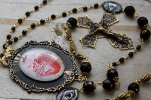 Sacred Heart Rosary Necklace - Photo 5 by asunder