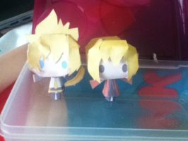 BLONDE POWER XD: Edward Elric and Len Paper Crafts by ThatNekohacker