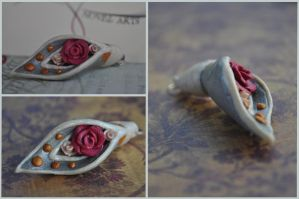 Lily-Rose Pendant by TheNovelArts