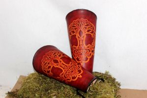 Yggdrasil-thor leather bracer by akinra-workshop
