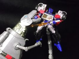 Grimlock fights G2 Optimus Prime by forever-at-peace