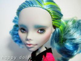 Miss Persephone - Ghoulia repaint by hellohappycrafts
