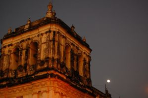 catedral y luna by claut
