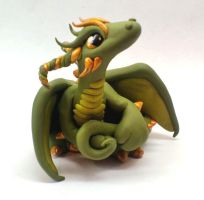 Green and Gold Dragon by Tinebell