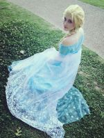 Elsa  In the Spring by Sasurealian