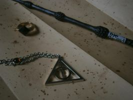 reliques de la mort/deathly hallow Harry Potter by elodieland