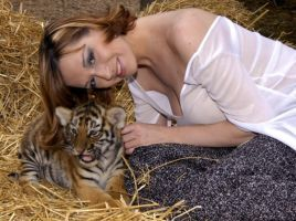 Photo with Tiger Cub by perfectmuse