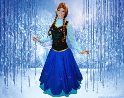 Frozen Princess Anna Cosplay by glitzygeekgirl