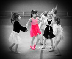 tiny dancers by poeticwriter007