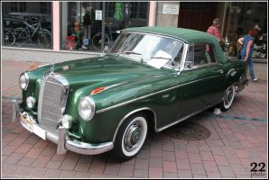 Old green Benz by 22photo