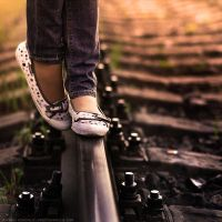 Alone between the train by AsiiMDesGraphiC