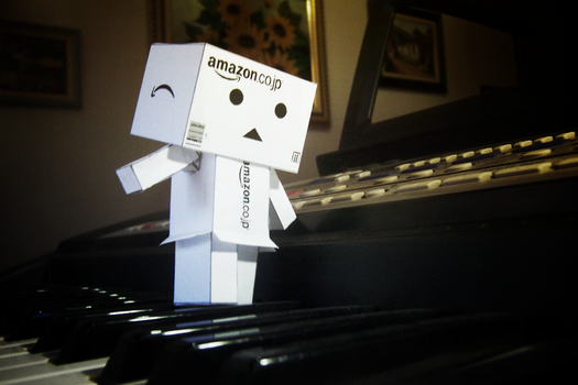 Danbo's Phantom Playing Piano by drykkaa