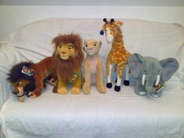 Lion King made by Applause with the elephant by Frieda15