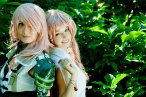 Lightning And Serah by Aleke