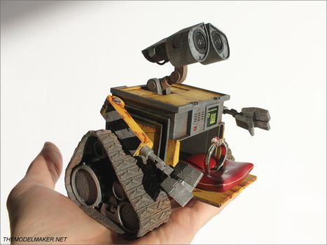 Wall-e engagement ring box by artmik