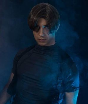 Leon S Kennedy cosplay by Vector67
