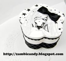 Hand painted jewerly box by zambicandy