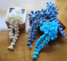 Blue and ivory 'my fair lady'  Custom kanzashi by hanatsukuri
