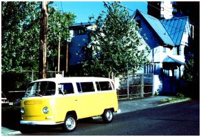 vw bus by guost