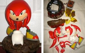 Smashed F4F Knuckles Statue by MizukiiMoon