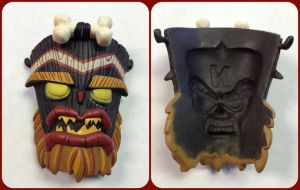 ( Crash Bandicoot ) Uka Uka Mask Resaurus Figure by KrazyKari