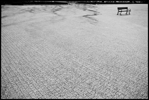 Lonely bench by arturuspl