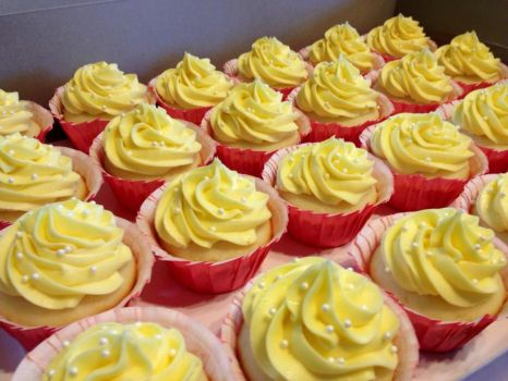 Yellow Vanilla Cuppycakes by Deathbypuddle