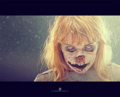 Zombie Walker is back by Elisanth