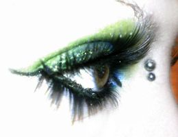 long lash make-up by Manda-Massacre