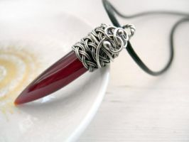 Oxblood red talon fang Agate silver necklace by nurrgula