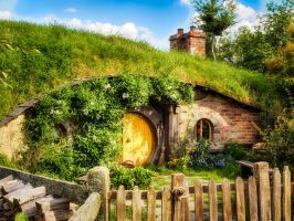 Hobbit hole by wolfblueeyes