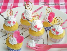 Pink cupcake memo stands by rriee