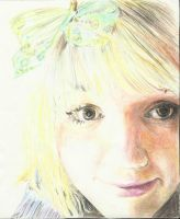 Self-portrait in pencil crayon by topistops