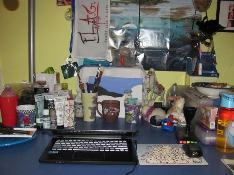 I Mostly Cleaned My Desk by usagi-hikari9