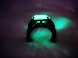 Celtic Knot Ring - Glow in the Dark by MySoulShards