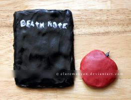 Death Note Cookie by claremanson