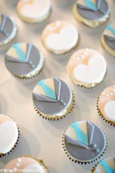 Bride and Groom Cupcakes by cake4thought