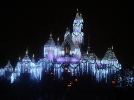 Sparkling Ice Castle by stirlingshire