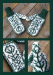 Sleeping Beatuy fairytale mittens by KnitLizzy