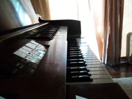 Piano 2 by IndifferentSociety