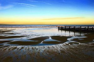 Breakwater+Horizon 2 - Mundesley, Norfolk UK by Coigach