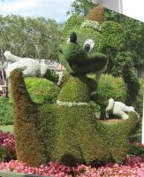 Minnie Topiary by fuzzyslipperlogic