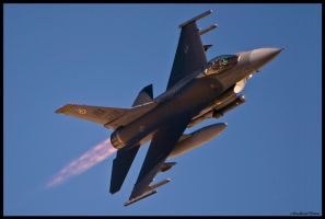 Nellis Sun 5 by AirshowDave