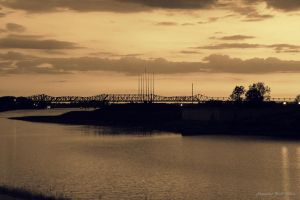 Memphis' bridge by AlexReedWhite