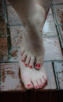 Wet Toes by nikongriffin