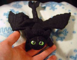 Night fury Plushie by HollyRoseBriar