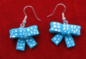 Sixth Doctor earrings by StregattaPuponzi