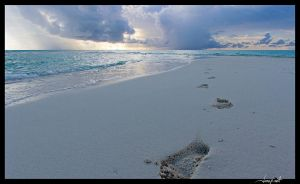 Maadhoo footprints by janapka