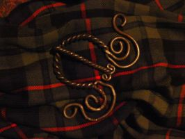 plaid fibula by durfraenky