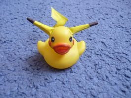 Pikachu duck by ShayeraLee